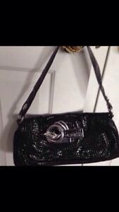 GUESS PURSE (Brand new)