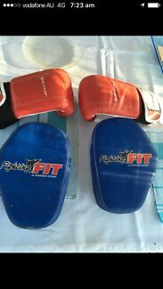 Adult boxing gloves training pads Mma