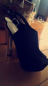 Ladies black high heels Cleveland Redland Area Preview