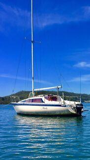 Weekend retreat live aboard 8m yacht