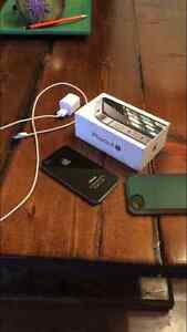 iPhone 4S - 8gb - excellent condition