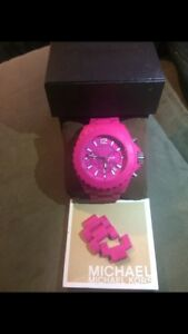 Michael Kors Mint Condition Watch with box