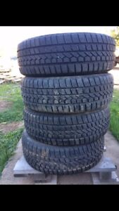 Set of 4 good year winter tires