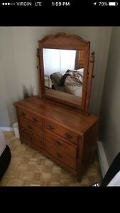 4 pieces bedroom solid wood/ perfect condition