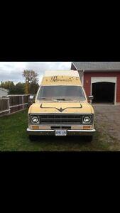 1978 Ford F-150 camper wagon