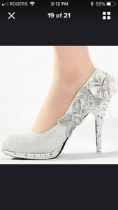 Brand new white heels - size 8/8.5