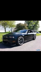 Ford Mustang GT 2011 décapotable