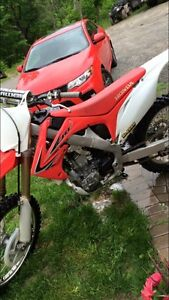 4000 this week only not a dime less 2011 crf250 r only 53 h!
