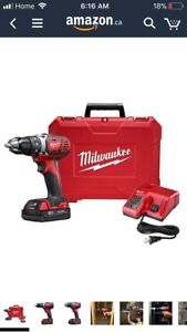 MIlwaukee M18 18V Lithium-Ion 1/2 Inch Cordless Drill kit