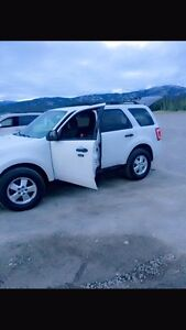 Reduced ..2011 Ford Escape V4 AWD i