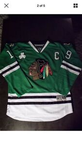 Chicago Black Hawks Toews jersey