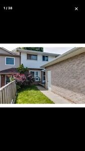 OPEN HOUSE 2-4 SUNDAY 3 Bedroom Townhouse Kitchener
