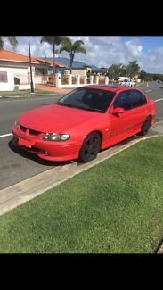 Wrecking / parting holden VX SS manual LS1