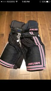 Looking for these hockey pants in a junior large or extra large