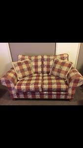 Traditional Sofa Gordon Tuggeranong Preview