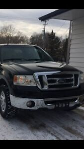 2008 Ford F-150 Ext Cab. XLT 5.4. Automatic Black and Chrome