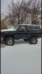 1990 gmc jimmy 4x4 lifted with 40inch super swampers