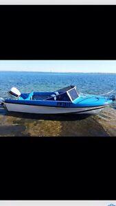 18 ft pride 90 hp v4 outboard Cheltenham Charles Sturt Area Preview
