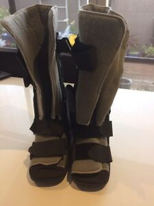 Moon Boots Size 10 make an offer Point Cook Wyndham Area Preview