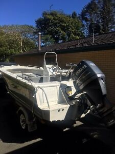 Brooker Discovery 525 side console, & Yamaha 80hp four stroke Cooroy Noosa Area Preview