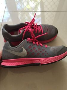 Pink and grey Nike Pegasus 31 runners perfect condition worn once Thornlands Redland Area Preview