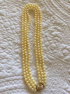 Pearls with diamond clasp Auburn Clare Area Preview