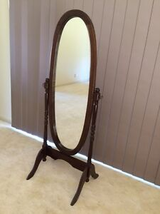 Mirror on stand Horsley Park Fairfield Area Preview