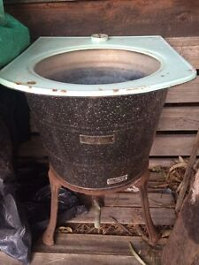 Victorian copper wash bath with green turquoise white Sandringham Bayside Area Preview