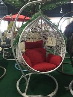 EGG SWING CHAIR DROP SHAPE WHITE COLOR