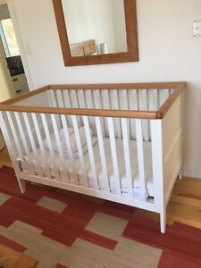 Cot, mattress and linen.  Near new Eagle Bay Busselton Area Preview