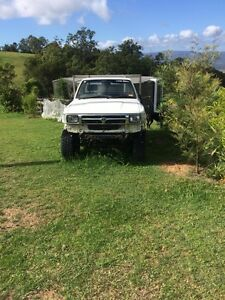 2 x Toyota hilux ute single cab project conversion v6 Ocean View Pine Rivers Area Preview