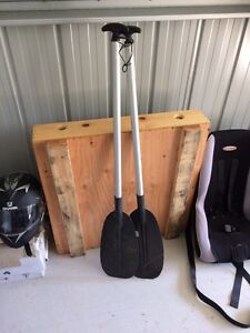 Boat oars - safety gear. Cleveland Redland Area Preview