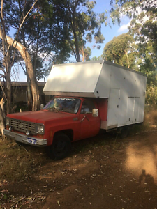 Chev 1975 C30 dually horse/camper Broome Broome City Preview