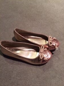 Girls origami ballet slipper shoes size 1 gold Bardon Brisbane North West Preview
