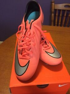 Nike Football Boots Mercurial Victory V FG Sz10 Mount Gravatt Brisbane South East Preview