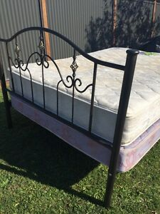 Queen bed frame Carina Brisbane South East Preview