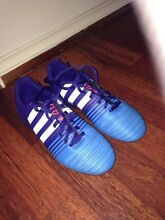 Kids Soccer boots size 3 us Hampton Park Casey Area Preview
