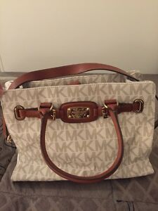 Authentic michael kors Ellenbrook Swan Area Preview