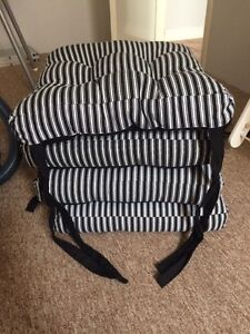 4 Chair cushions -excellent condition Beeliar Cockburn Area Preview