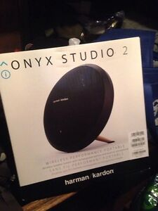 Harman Kardon Onyx studio speaker 2 Darwin Airport Darwin City Preview