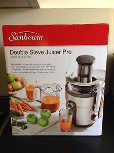 Sunbeam Double Sieve Juicer Pro Merrimac Gold Coast City Preview
