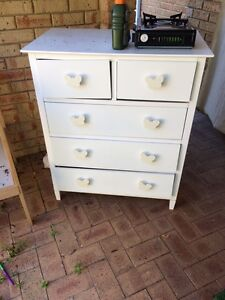 Free draw and baby Change table Balcatta Stirling Area Preview