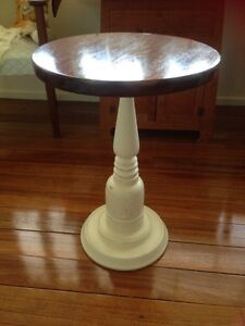 Small lamp table Gulliver Townsville City Preview