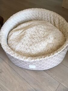 Gorgeous luxurious pet bed. Merriwa Wanneroo Area Preview