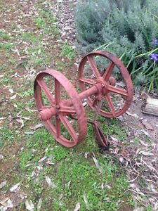 Rusty cart Moore Creek Tamworth Surrounds Preview