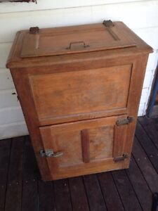 Antique Ice Chest Jacobs Well Gold Coast North Preview