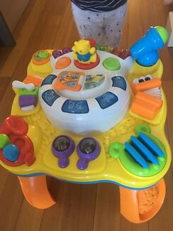 Free baby standing toy