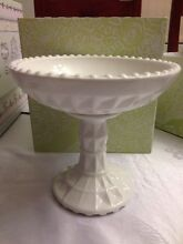 White cake stands for hire Arndell Park Blacktown Area Preview