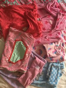 Size 2 Sleeping Bag Bundle Greenwith Tea Tree Gully Area Preview