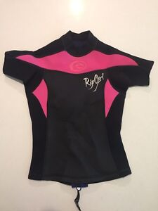 Ripcurl Ladies size 8 short sleeve wetsuit top Albany Creek Brisbane North East Preview